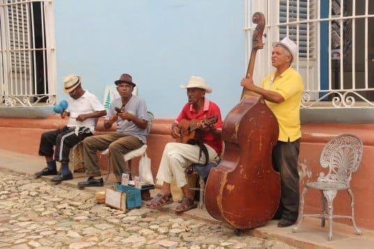Cuba en voiture privée avec chauffeur ou autotour 3