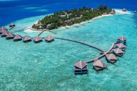 La mer vous berce aux Maldives a lAdaaran Club Rannalhi 4