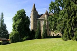 Le château médiéval 5 étoiles Château de Codignat en Auvergne 2
